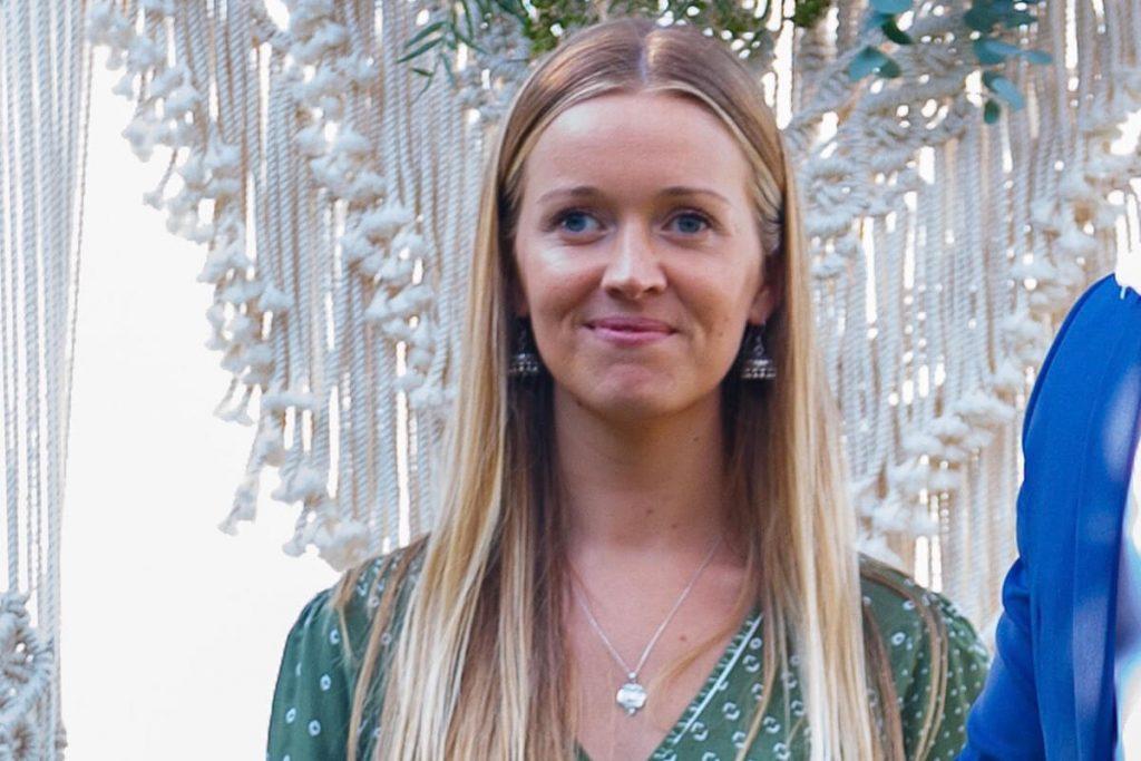 Cassandra Bowles Celebrant Elopements Noosa Kind Words Sunshine Coast Elopements Weddings