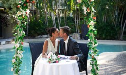 Noosa Poolside Wedding Kiss